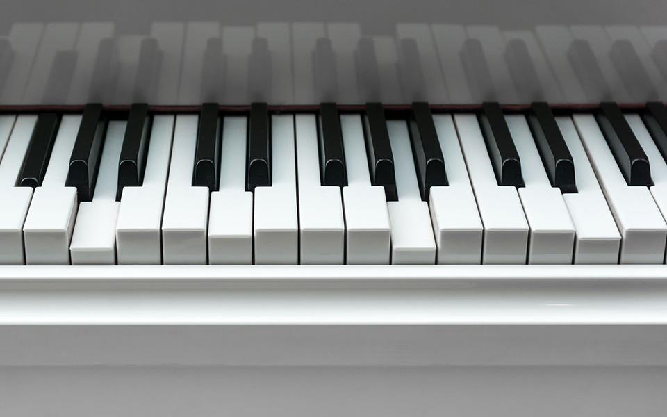 sticky piano keys