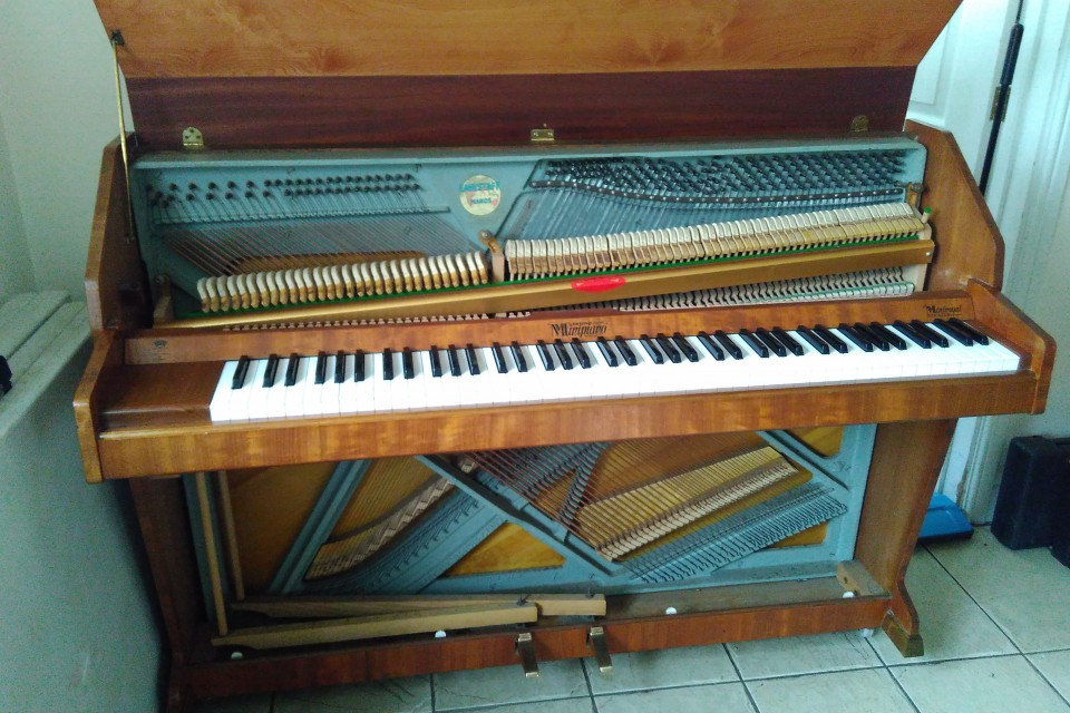 Example of a piano for sale